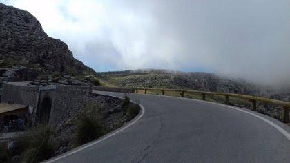 El Consell instala 15.500 metros de barreras de madera en las carreteras de la Serra de Tramuntana